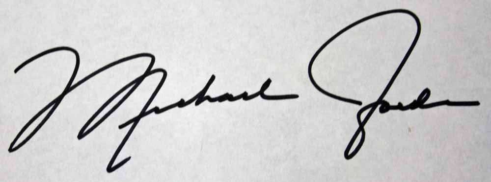 how to include image in signature