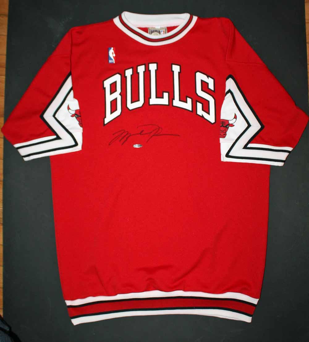 5adc700b94b3 Michael Jordan Rare Signed Chicago Bulls Vintage Style Pro Model Shooting  Shirt (UDA) ...
