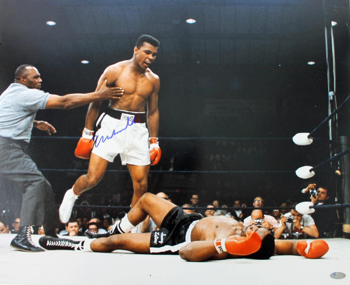 Lot detail muhammad ali signed 16 x 20 color photo steiner muhammad ali signed 16 x 20 color photo steiner hologram voltagebd Images