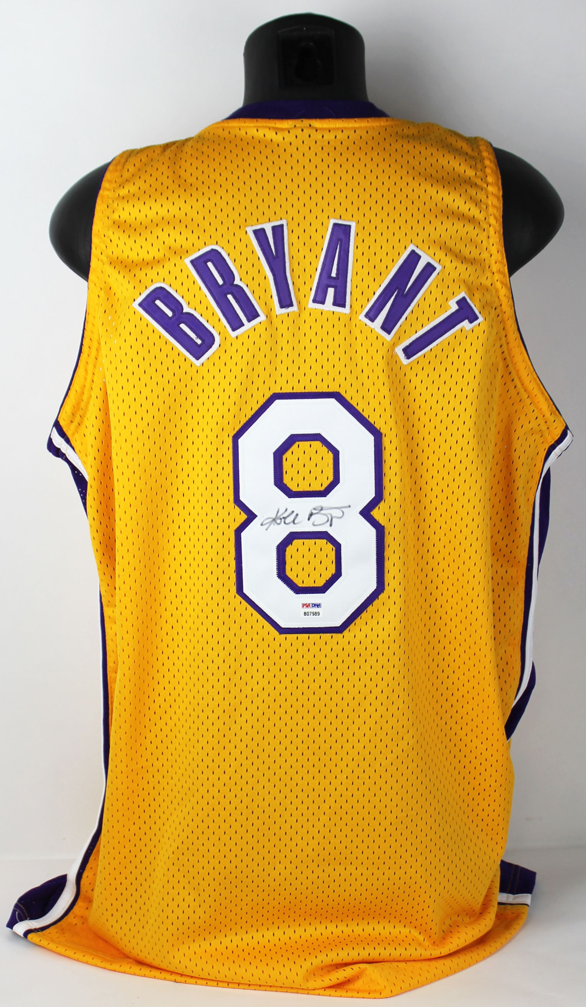 Lot Detail - Kobe Bryant Full Name Signed #8 Los Angeles Lakers