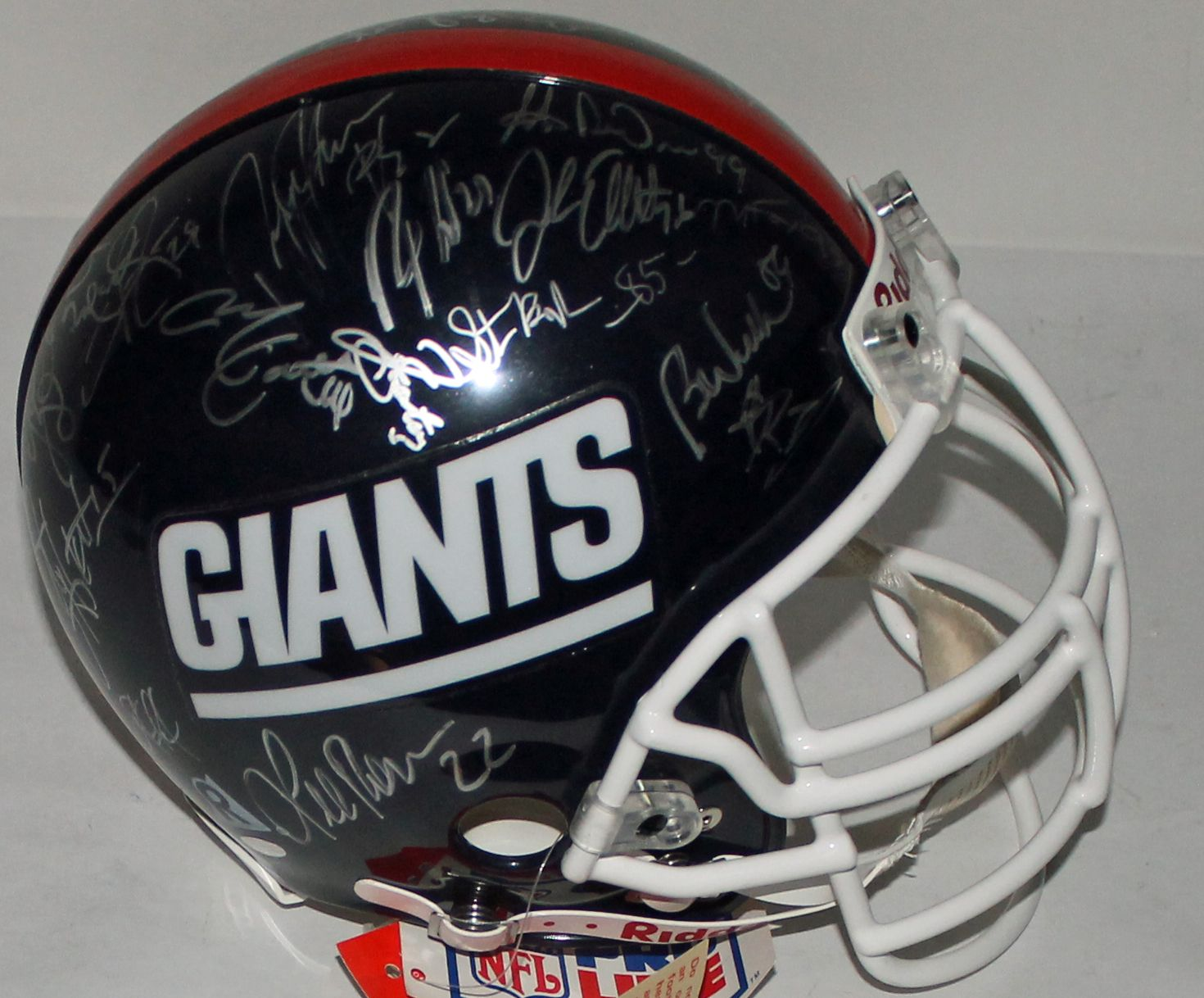 d29a616d5 Super Bowl XXV Team Signed New York Giants PROLINE Helmet w/ 33 Signatures!  (