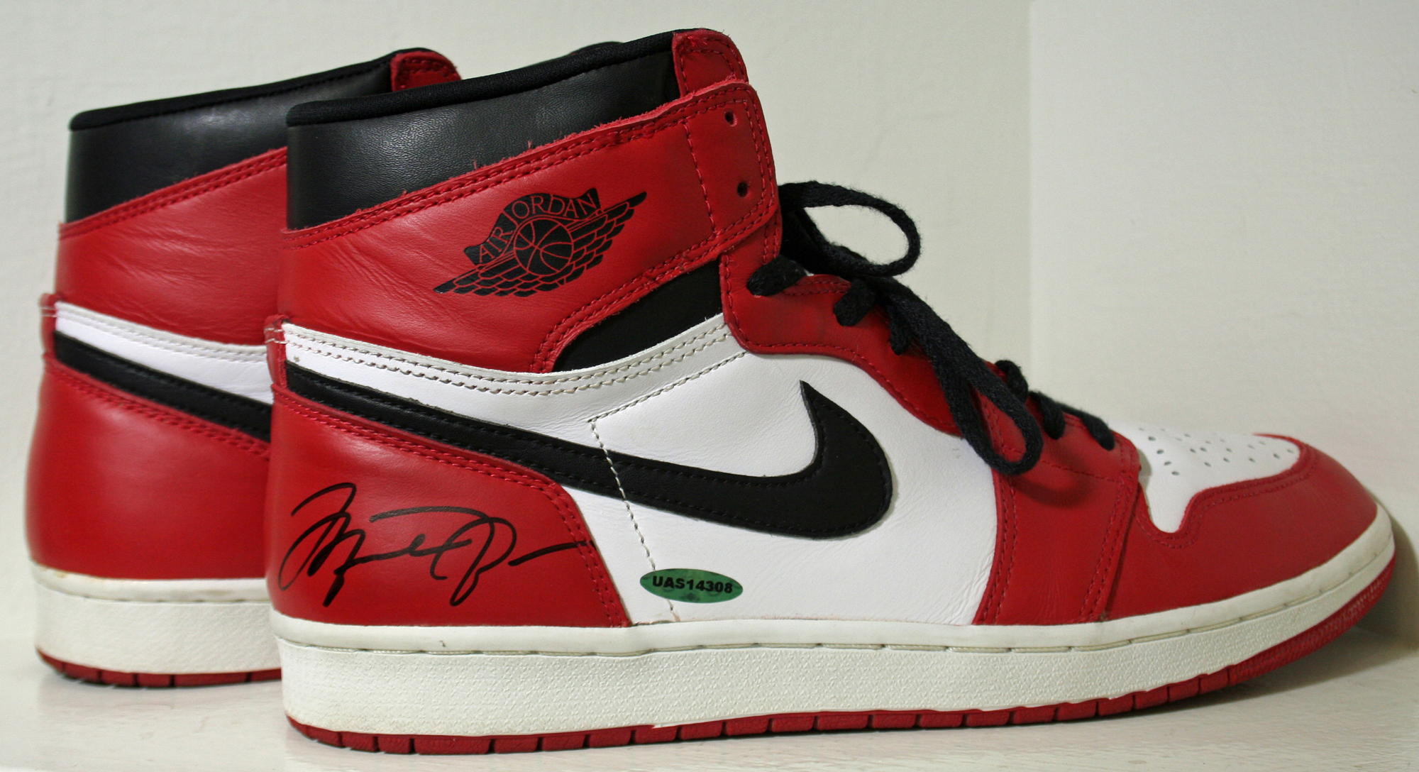 10ed4ccef745 Michael Jordan Dual Signed 1994 Nike Air Jordan 10th Anniversary Re-Issue  Sneakers with Box ...