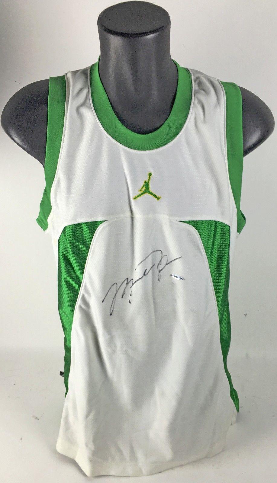 Lot Detail - Michael Jordan Signed Shooting Shirt (Upper Deck)