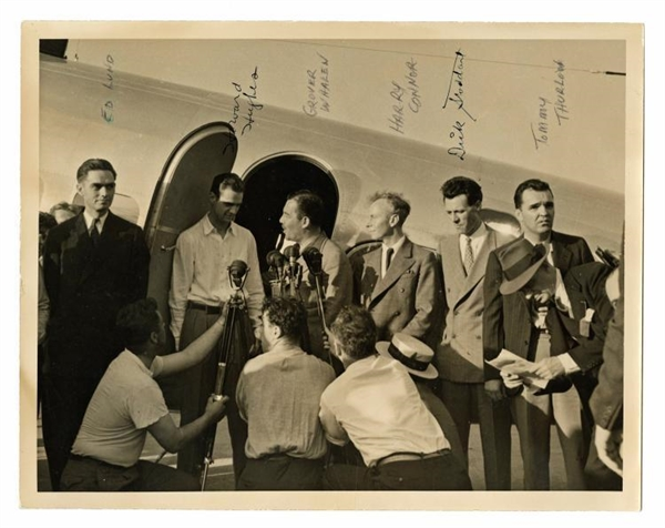 Howard Hughes Signed 1938 Flight Around The World 8 x 10 Photograph (PSA/DNA)