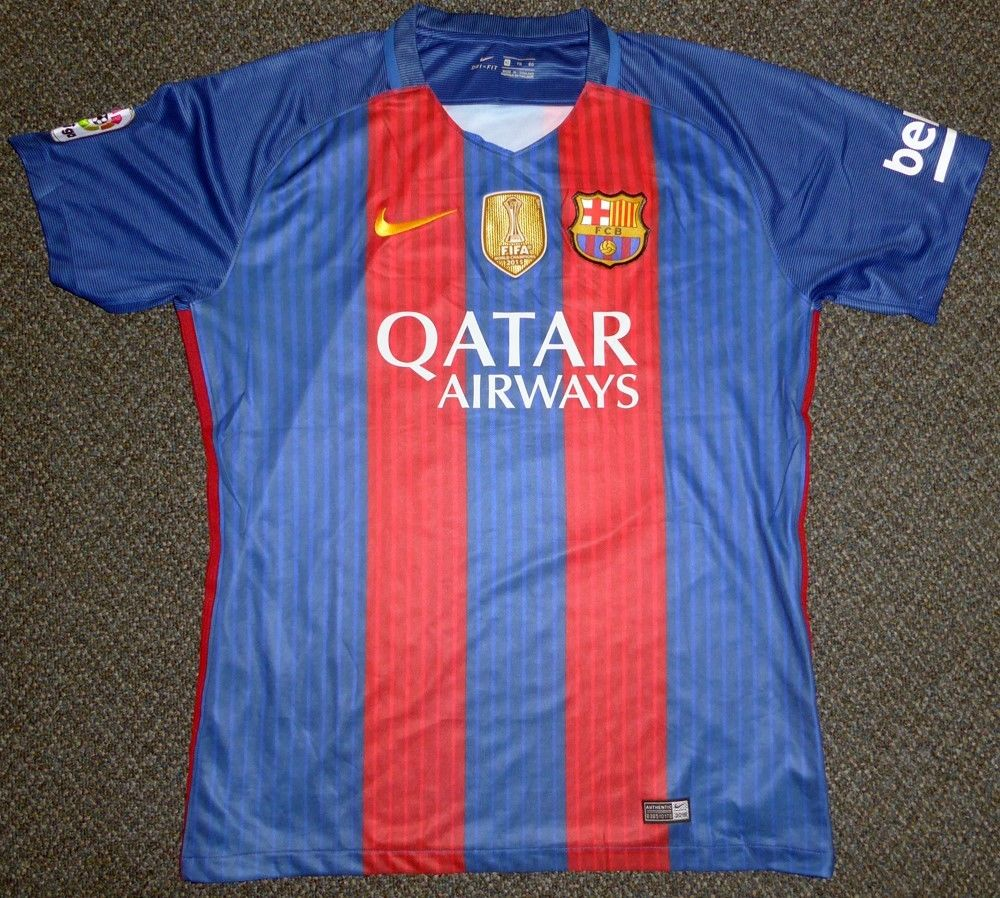 9cfb21b7e62 ... Lionel Messi Signed FC Barcelona FIFA 2015 Soccer Jersey (PSA/DNA)