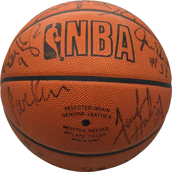 72-10 World Champion 1995-1996 Chicago Bulls Team Signed Game Issued Basketball w/ Jordan, Pippen & Rare Phil Jackson! (Beckett/BAS)