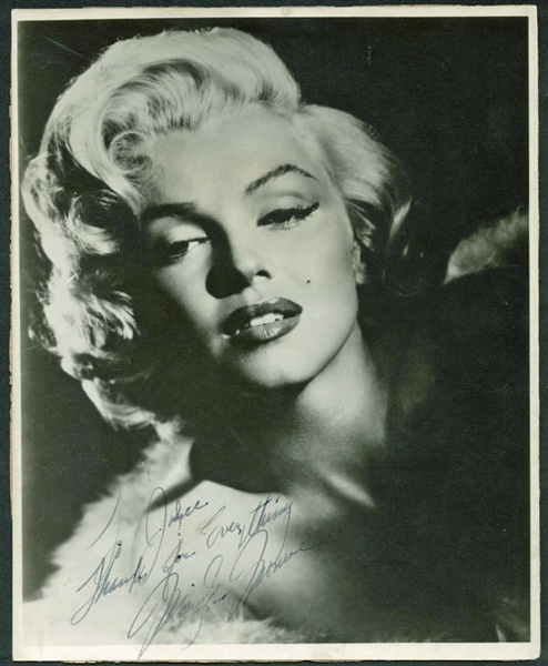 Marilyn Monroe Spectacular Signed 8 x 10 Black & White Portrait Photograph (BAS/Beckett)