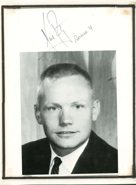 Neil Armstrong Signed 8 x 10 Photograph w/ ULTRA-RARE Apollo 11 Inscription! (JSA)