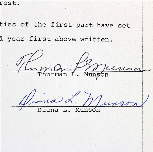 Thurman Munson Signed 1977 Yankees Home Sale Document (Beckett/BAS)