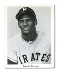 "Roberto Clemente Near-Mint Signed 8"" x 10"" Promotional Photo (PSA/DNA)"