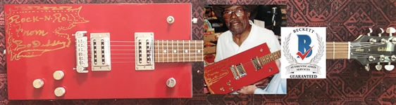 Bo Diddley In-Person Signed Gretsch Signature Model Electric Guitar with Signing Proof (Beckett/BAS Guaranteed)
